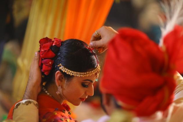 Indian wedding sindur ritual wedus